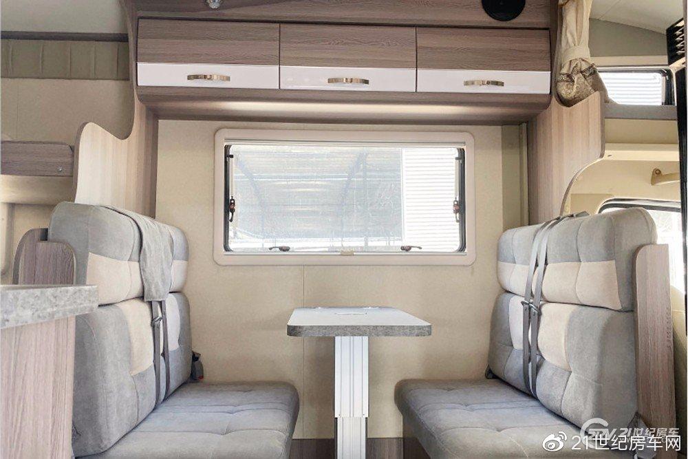 售价34.8万元 后双胎的东风御风C型房车实在少见!