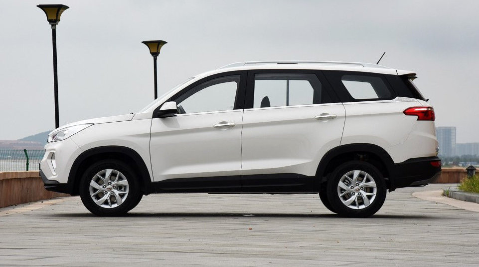 这台国产SUV绝了!5万多,大7座中型SUV,2800mm轴距与汉兰达一样