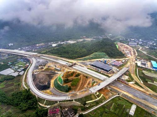 龙丽温高速公路文瑞段年内建成通车 市区至文成县城用时缩短至1小时