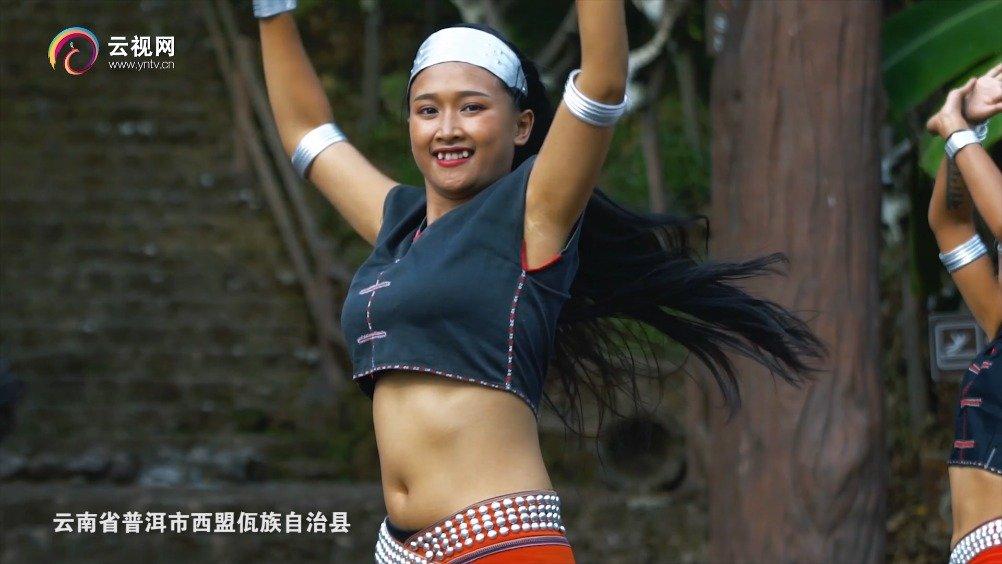 佤族:姑娘美不美,除了勤劳善良,还要看她的头发长不长,黑不黑