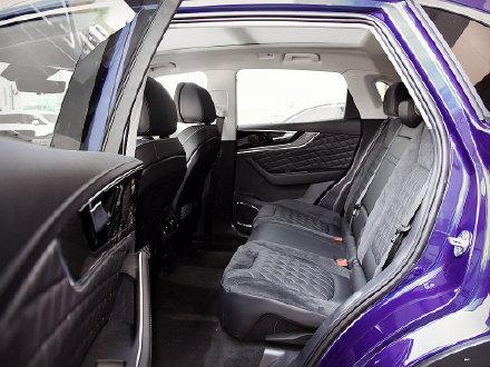今天我们来聊聊 红旗HS5吧 该车定位于中型SUV  售价区间18.38万-24