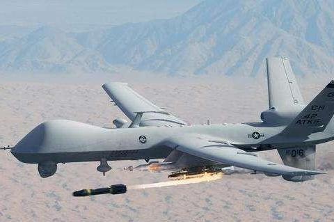 10架无人机同时攻击!沙特被打得措手不及,最大油田遭破坏
