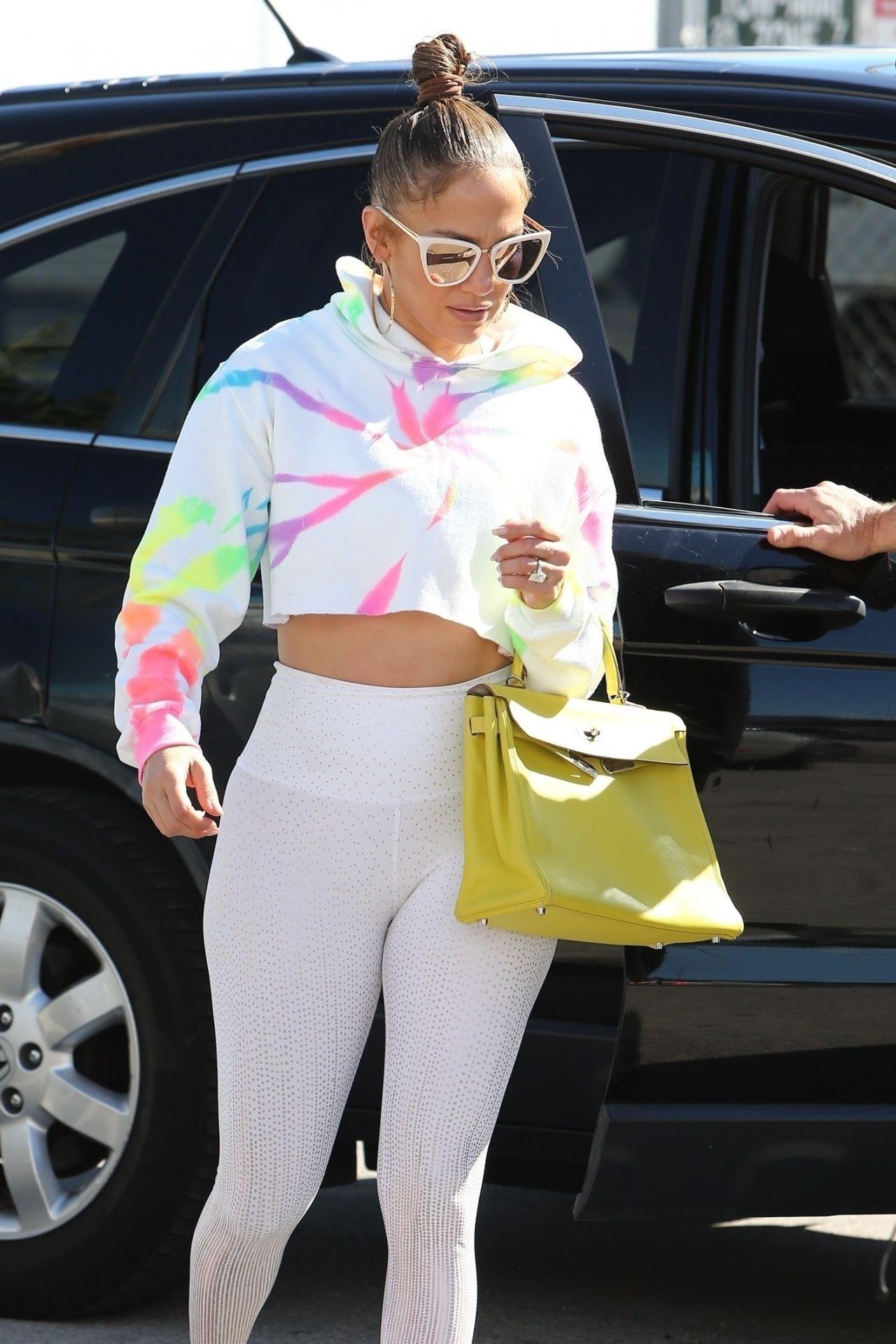 詹妮弗·洛佩兹(Jennifer Lopez)身着紧身裤-迈阿密01/21/2020