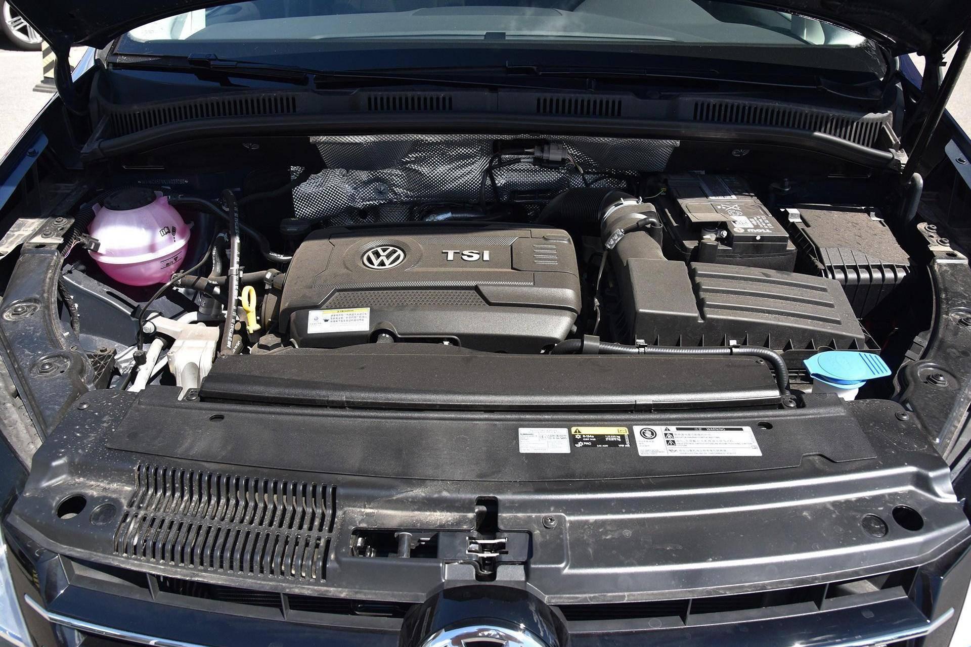 27万进口全真皮,能装2,297L,高尔夫GTI引擎,破百比X3快