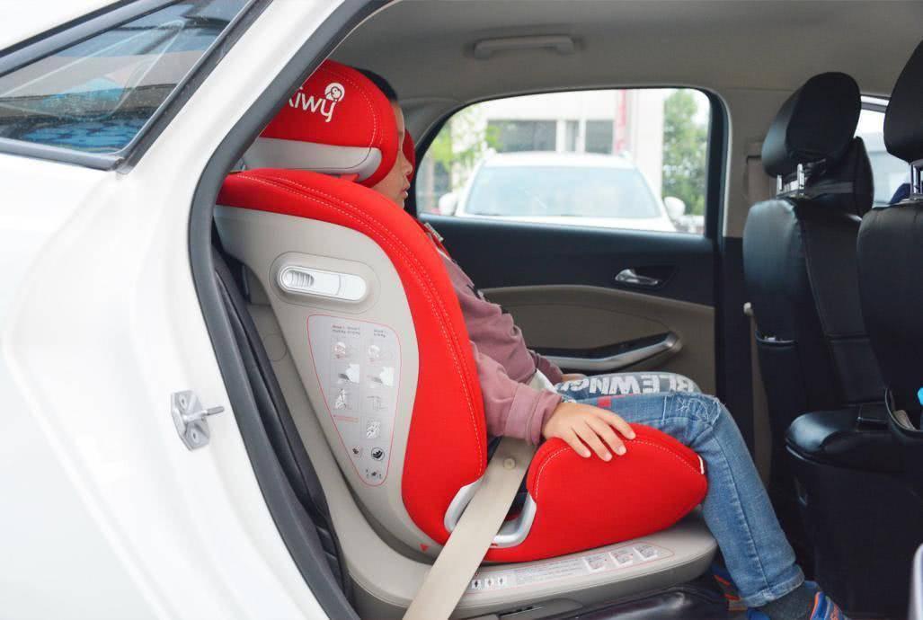 kiwy艾莉儿童安全座椅:呵护宝宝的安全,出门更放心