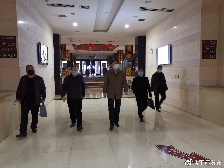 石勇在古城景区现场办公时强调:平遥旅游景区暂不开放