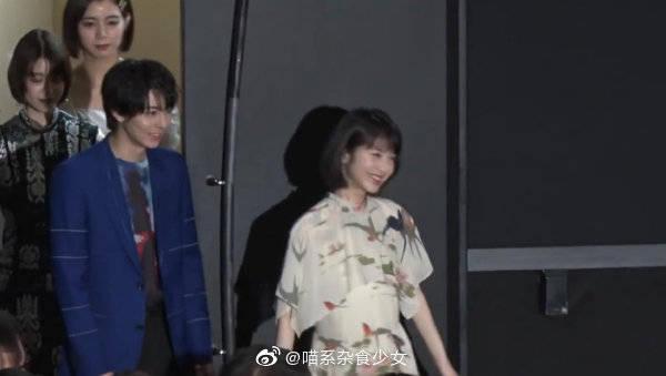 呆萌小天使滨边美波,宣传新电影《狂赌之渊》进场走错路