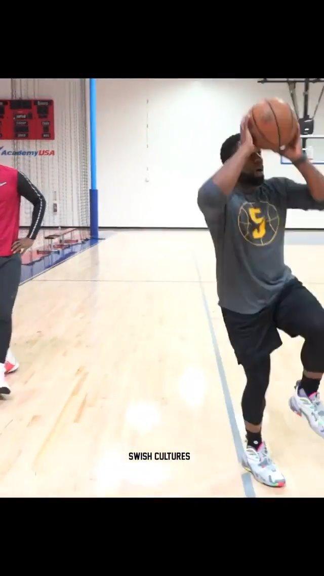JR史密斯的训练视频,主要是个人的一些持球单打