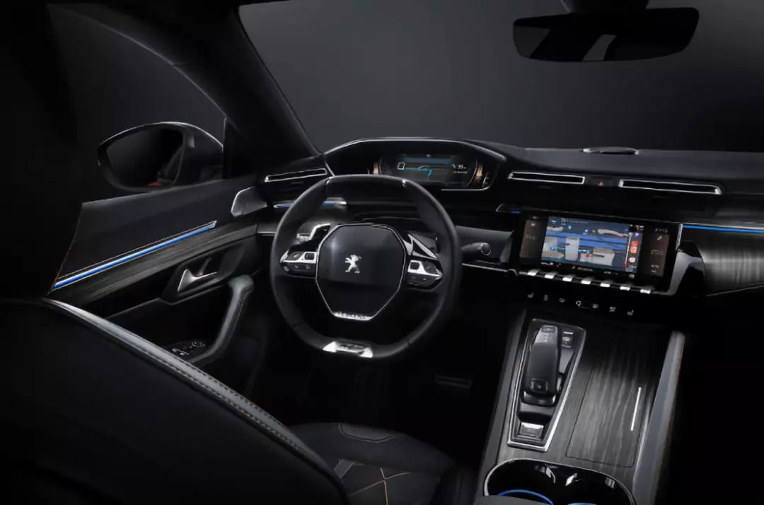 点亮汽车内饰氛围!盘点8款设计精美的方向盘