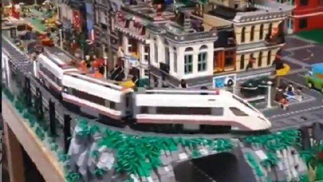 火车呼啸而来,载着远方的梦想!