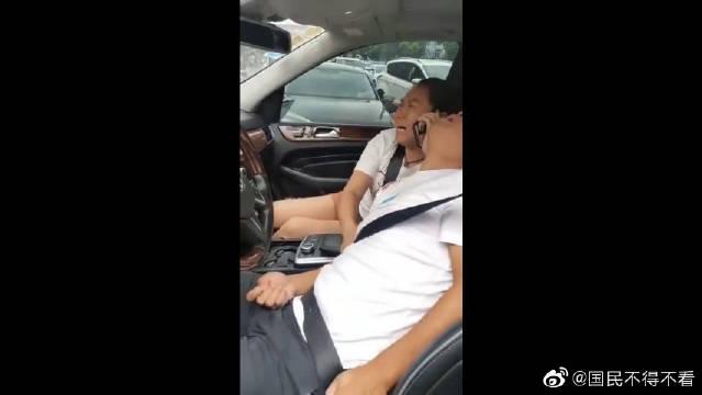 江苏常州3死10伤的奔驰车祸引发关注。警方通报称