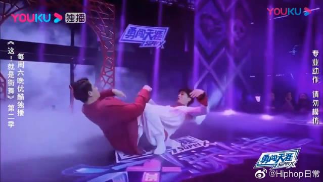 这就是街舞2:大神AC男扮女装,毫无违和感!和余衍林演绎凄美爱情