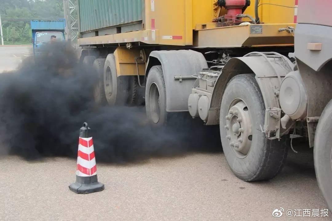 """下月5日起 柴油车将受24小时路检路查 尾气超标车辆""""现形""""仅需0.7秒"""