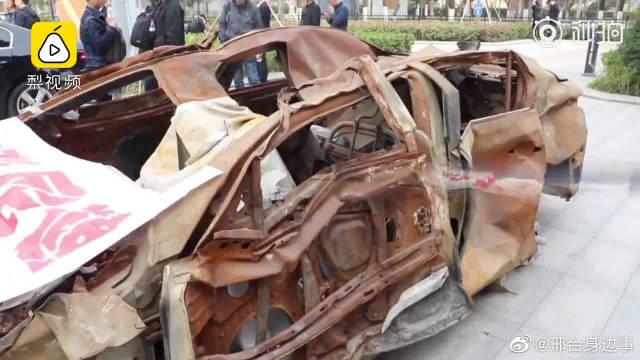 视频:男子买英菲尼迪当天坏车,换车一年后又起火,4S店:败诉将上诉