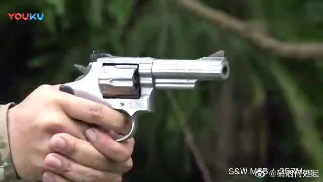 枪械测试一款左轮手枪,户外射击测试竟会哑火,好在不会卡壳