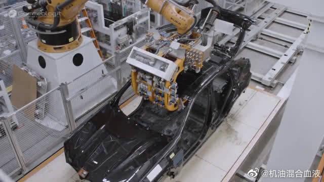 宝马X4美国工厂高清实拍,还考虑买漏油的奔驰?