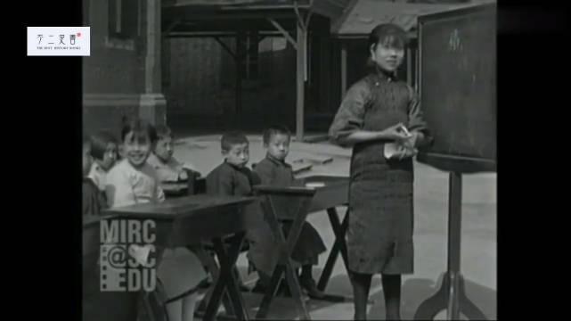 1929年(左右)的老上海一所小学上课时的情景
