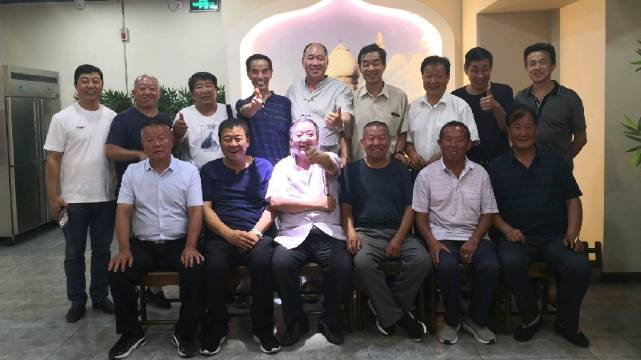 绪刚说事:原陕西省军区独立一团一营一连的老战友,40年后重逢咸阳