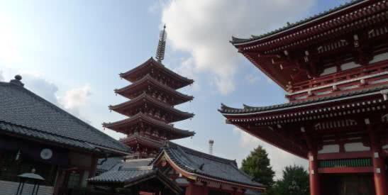 一名男子因在日本王子课桌上摆放刀具,被判入狱18个月
