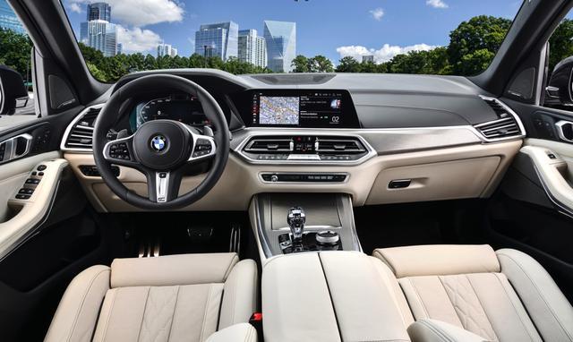 宝马 X5最新高性能版本 M50i 搭载4.4升V8发动机 外观更运动