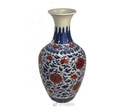 中国藏家130万英镑拍下雍正花瓶