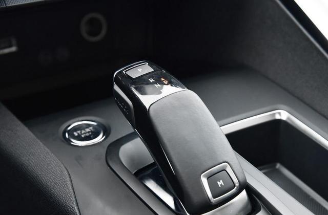 标致4008精致灵动,享受驾驶的快感,你有没有心动?