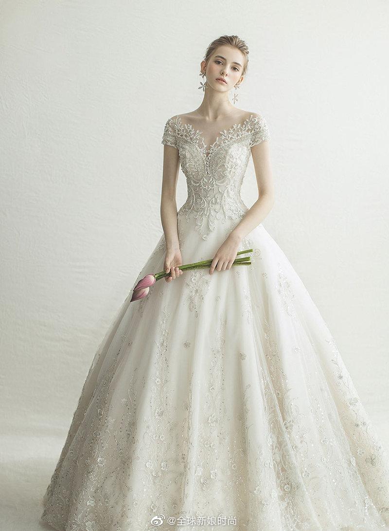 经典奢华再创新风貌! 9件结合典雅剪裁与时尚细节的绝美婚纱