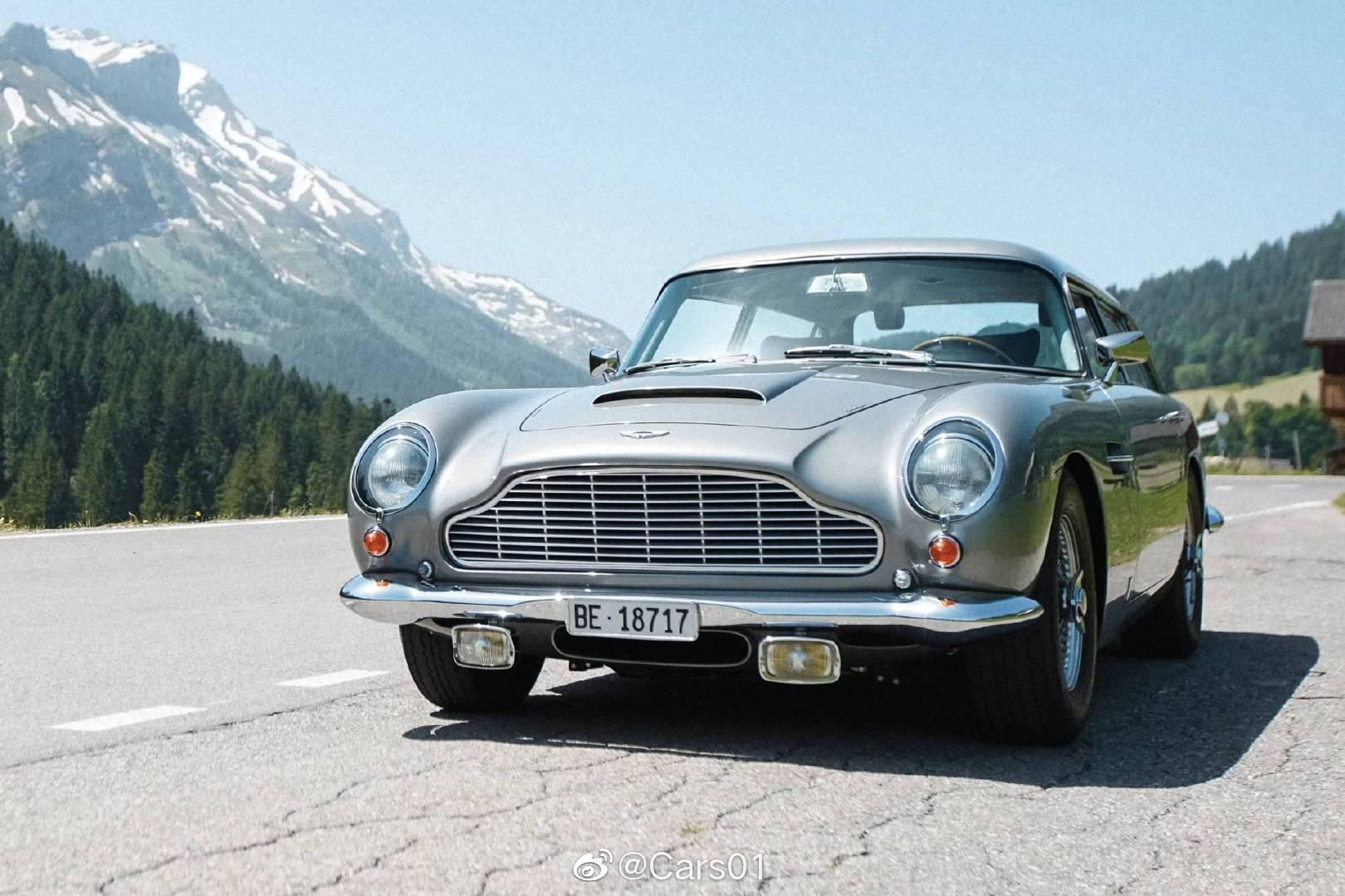 一台1965年的阿斯顿马丁DB5旅行版将于8月15日由苏富比拍卖行在蒙特利