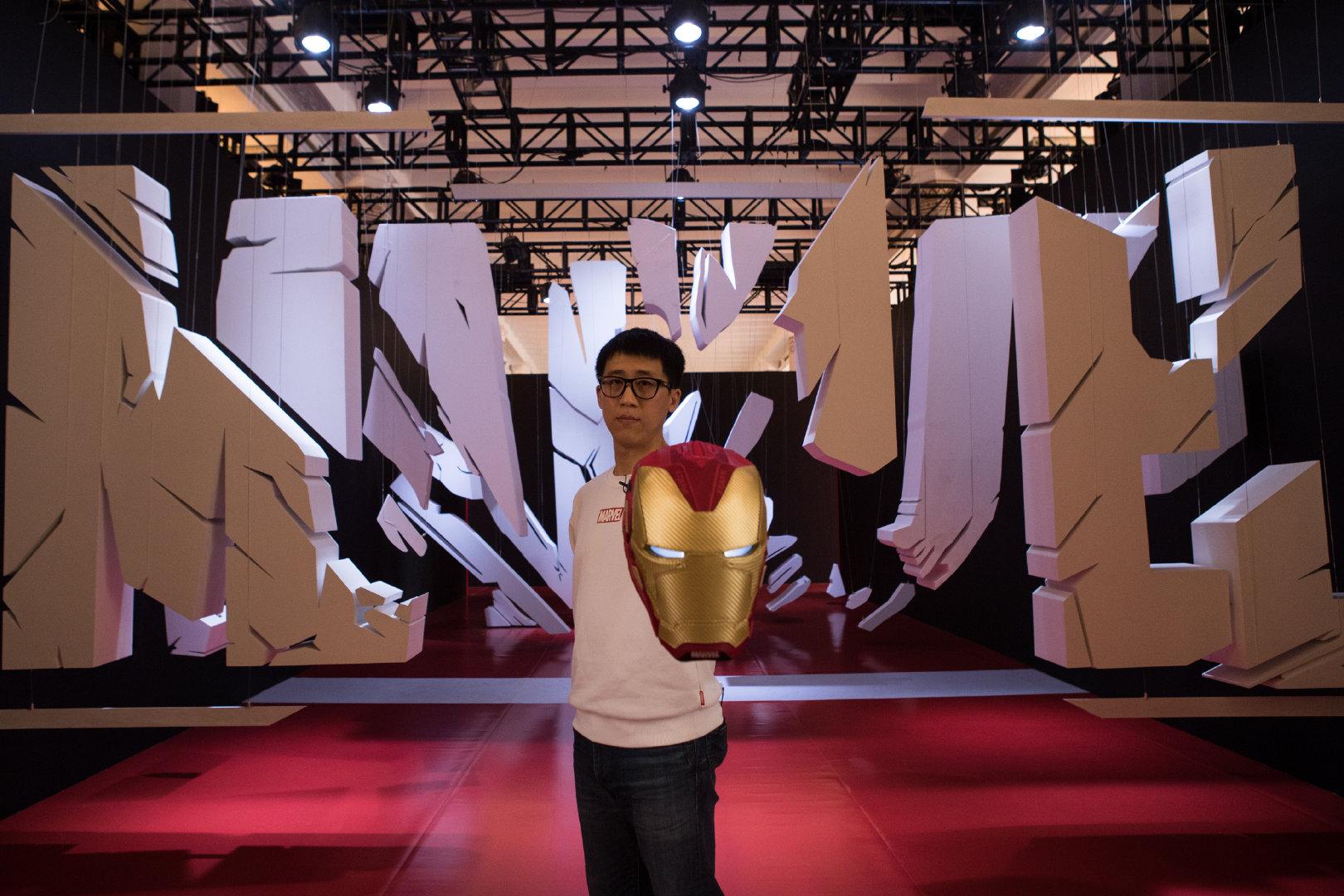 """@安踏体育 携全新钢铁侠系列球鞋 亮相""""漫威灵感秀""""为庆祝""""漫威8"""