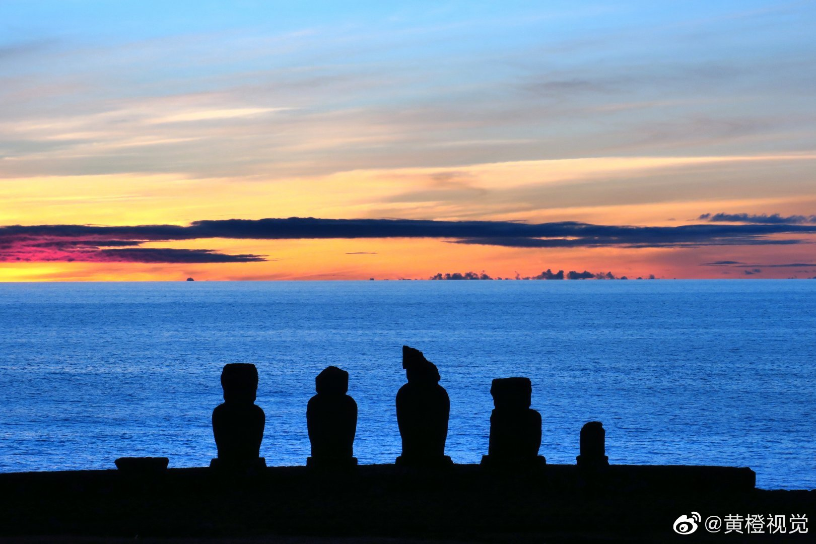 我的心不在我体内,我的心在遥远的地方。——拍摄于智利复活节岛