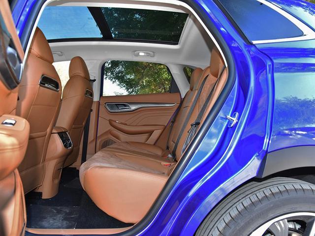 高品质家用电动车 外观设计感强家族元素显著 配置全面续航无忧
