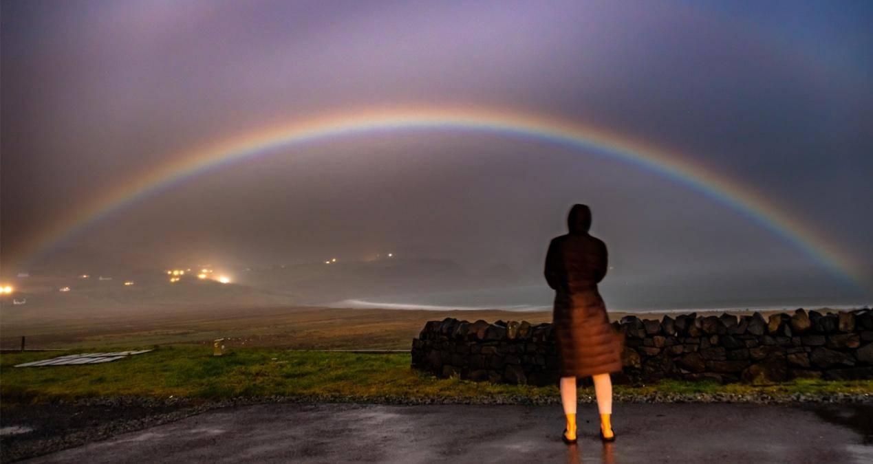 月虹到底有多罕见?这个现象又是如何产生的?