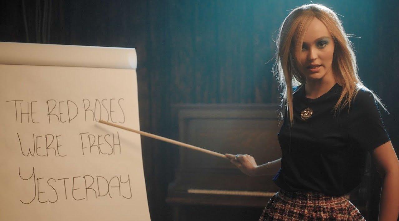 德普叔女儿Lily-Rose Depp教你如何说出法语口音