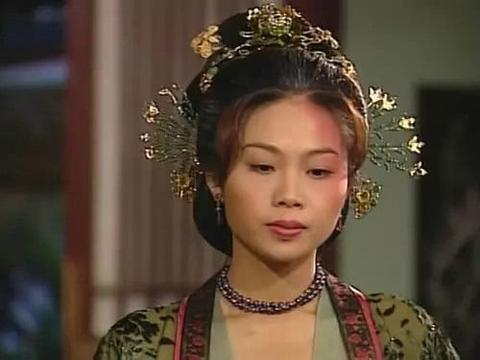 曾被TVB力捧,靠着大27岁恋人身价暴涨,20年后仍不求婚姻
