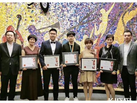 唐山籍小伙儿李伯绅斩获第七届温哥华华语电影节最佳纪录片导演奖