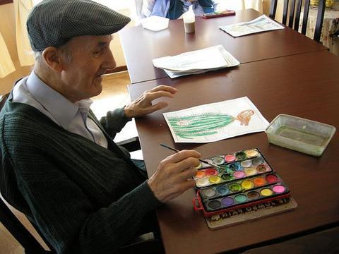 到达法定退休年龄,退休金够生活,为什么还想继续工作?