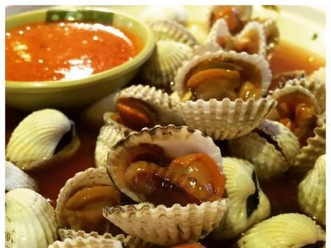 原来潮汕人是这样吃海鲜的,一把盐搞定所有海鲜,独特的味觉记忆