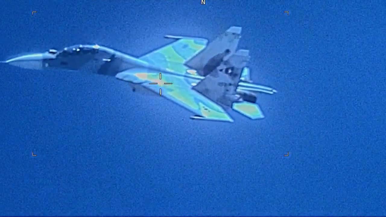 7月19日美海军1架编号为161410的EP-3E侦察机在委内瑞拉首都加拉加斯