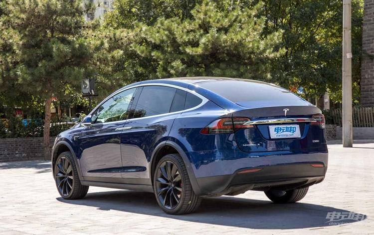 那些经典的燃油性能车,现如今可能跑不过电动车