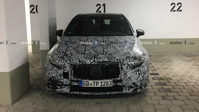 地表最强2.0T量产车 全新AMG A45低伪谍照曝光 日内瓦车展首发