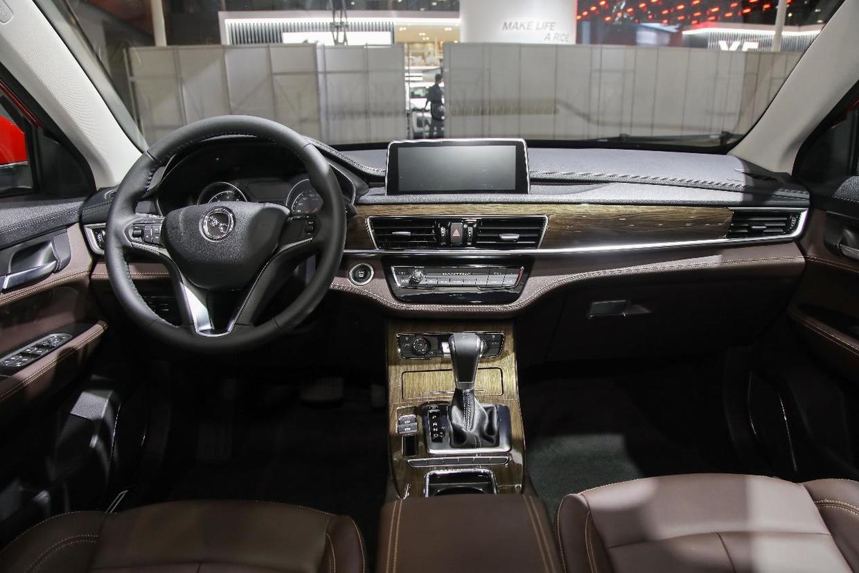 """有颜有料!十万级""""撩妹神车"""",汉腾X5 MAX:我还能多撩两个"""