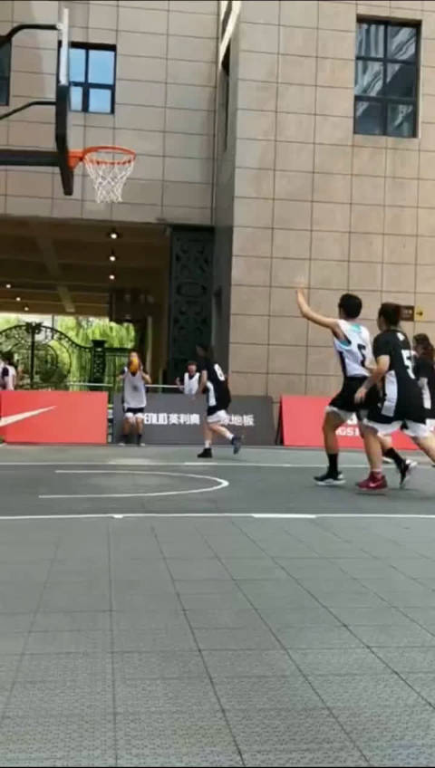 实时战报华东大区赛女子公开组TOP1 对阵 淮北篮鲨