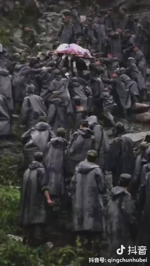 11年前汶川大地震,中国人民解放军空降兵,临危受命,空降灾区
