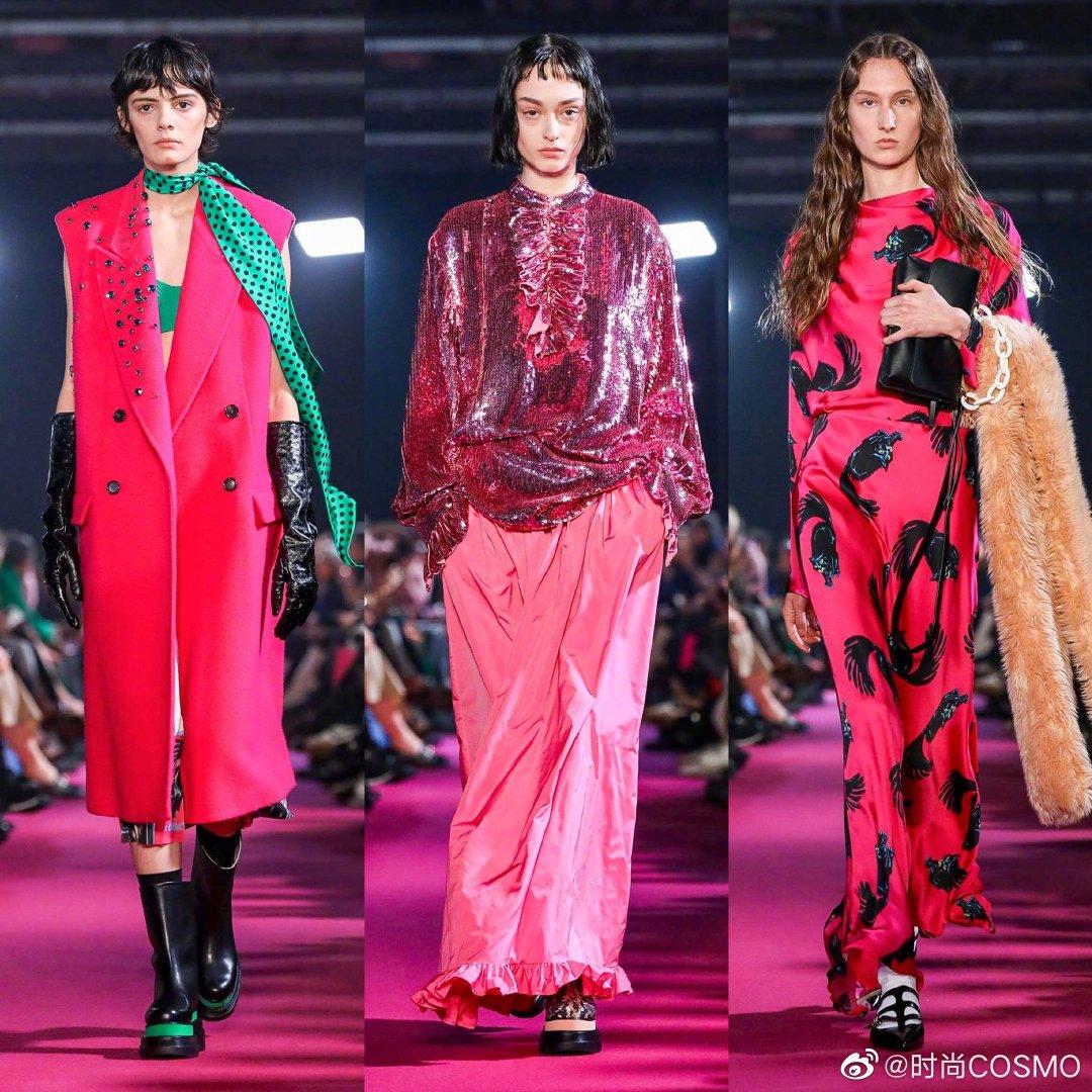 MSGM 2020秋冬大秀,一场色彩的狂欢。金属色的荷叶边亮片裙