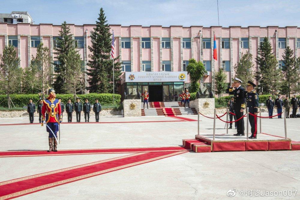 美军印度-太平洋司令部司令菲尔·戴维森访问蒙古