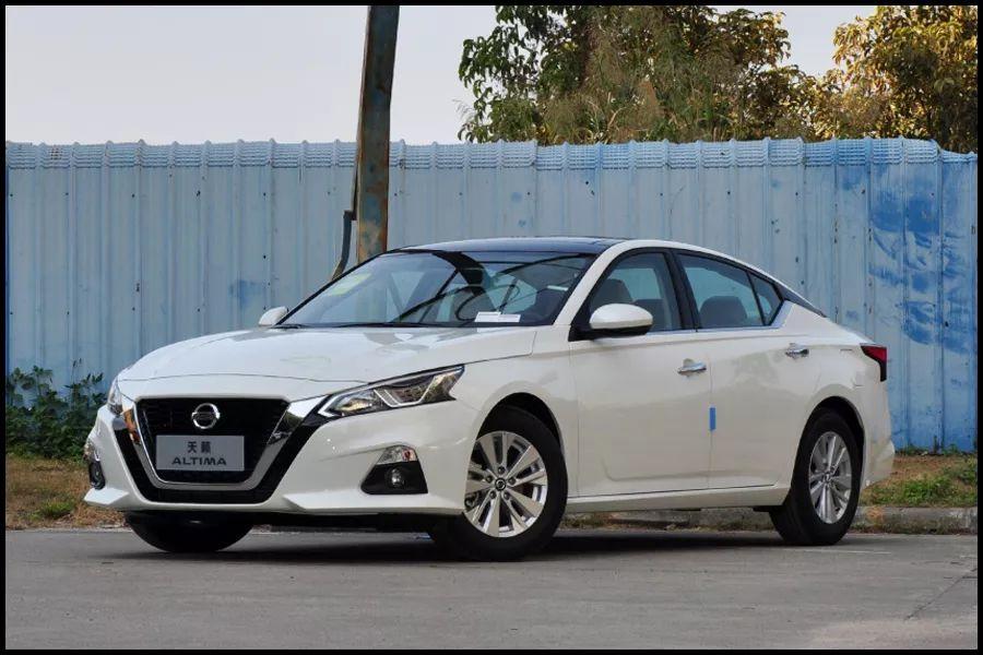 买车注意看!8款中型车降价排行,降幅最狠一款超7万,还不入手?