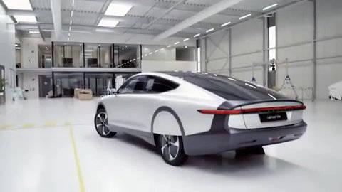 """荷兰一家新能源公司光年推出收款电动车""""光年一号"""""""