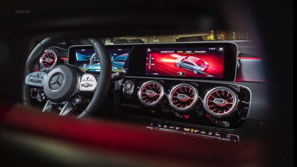 视频:2020 奔驰CLA 35 AMG