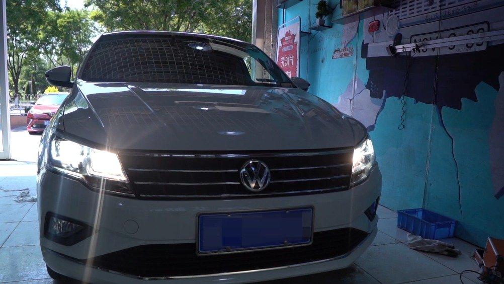 视频:北京高尔夫R原车麻面透镜升级高清透镜