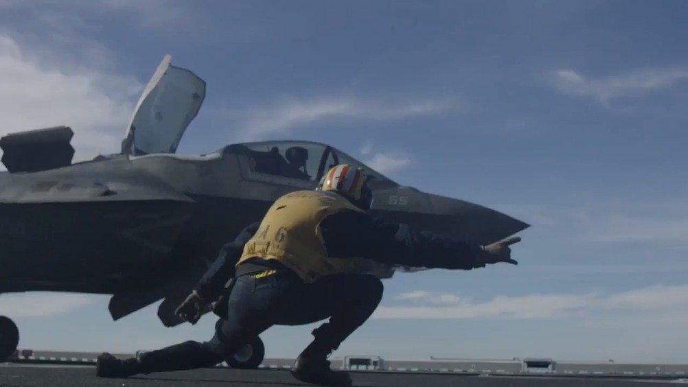 庆祝成立244周年,美海军陆战队展示F-35B新实力